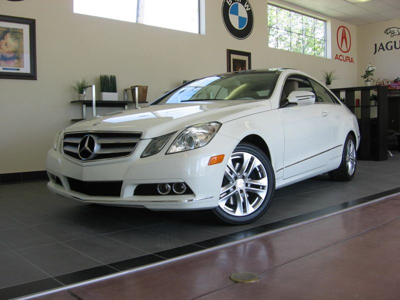 2010 MERCEDES E Class E350 Coupe 7-Speed Automatic White Tan This is a very well equipped E-350