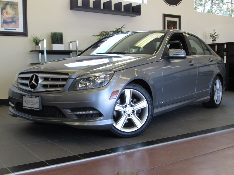2011 MERCEDES C Class C300 4D Luxury Sedan Automatic Silver Black This is a very nice C 300 luxu