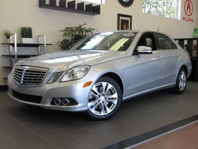 2011 MERCEDES E Class E350 4D Luxury Sedan Automatic Silver Black This is a fantastic E Class wi