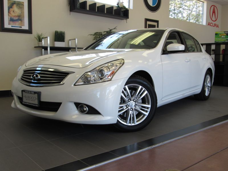 2010 Infiniti G37 Sport 4D Sedan Automatic White Gray This one has all the options including Pre