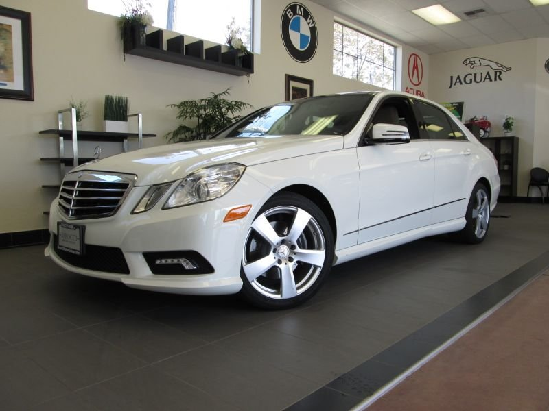 2011 MERCEDES E Class E350 4D Luxury Sedan Automatic White Tan This is an excellent One Owner E