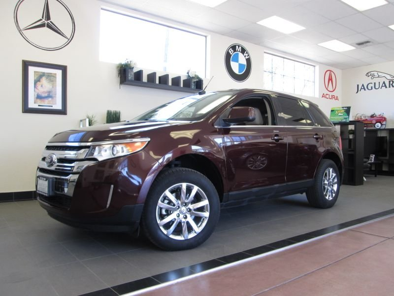 2011 Ford Edge Limited 4D Utility Automatic Maroon Champagne This Special Edition model comes wi