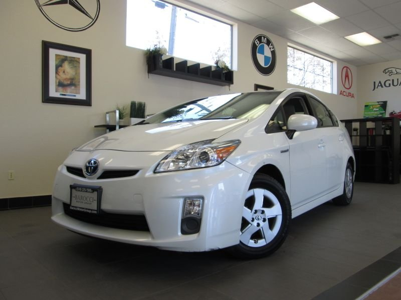 2010 Toyota Prius 4D Hatchback Automatic White Champagne This is a fantastic vehicle that gets g