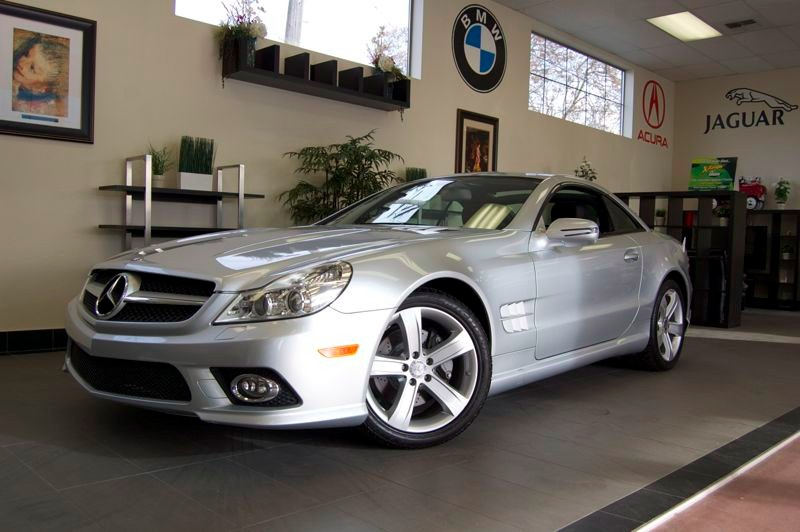 2009 MERCEDES SL-Class SL550 Convertible Automatic Silver This is an amazing Convertible with tha