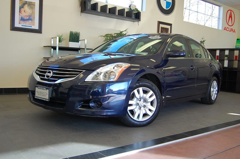 2012 Nissan Altima 25 S Sedan 4D Automatic CVT Blue Charcoal This is a good sedan with some nic