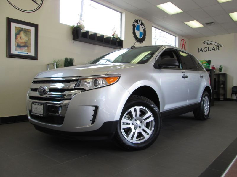 2012 Ford Edge SE 4D Utility Automatic Silver Tan This is a beautiful SUV that is in excellent c