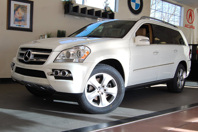 2011 MERCEDES GL-Class GL450 AWD SUV Automatic White Tan This Mercedes comes equipped with a Pre
