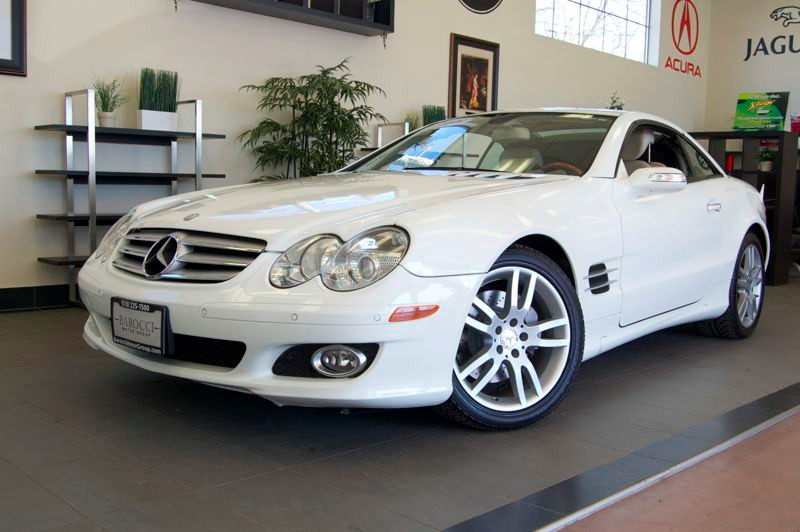 2008 MERCEDES SL-Class SL550 Roadster Auto 7-Spd Touch Shift White Tan This is a beautiful car w