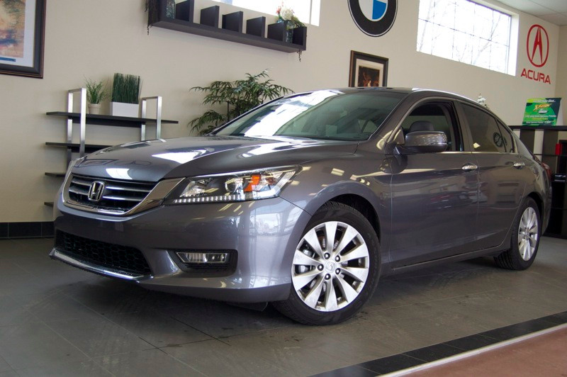 2013 Honda Accord EX-L Sedan Automatic Gray Gray This is a beautiful car complete with Heated Po
