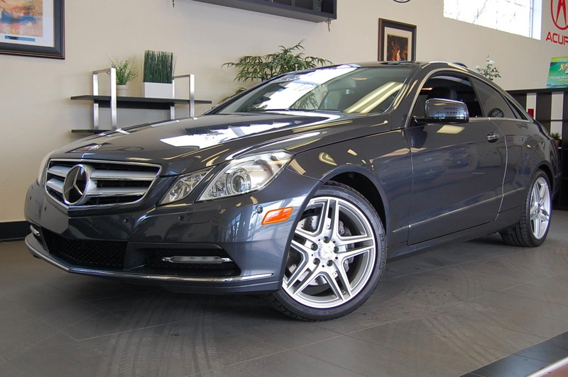 2011 MERCEDES E-Class E350 Coupe 7-Speed Automatic Gray Champagne This car is immaculate and has