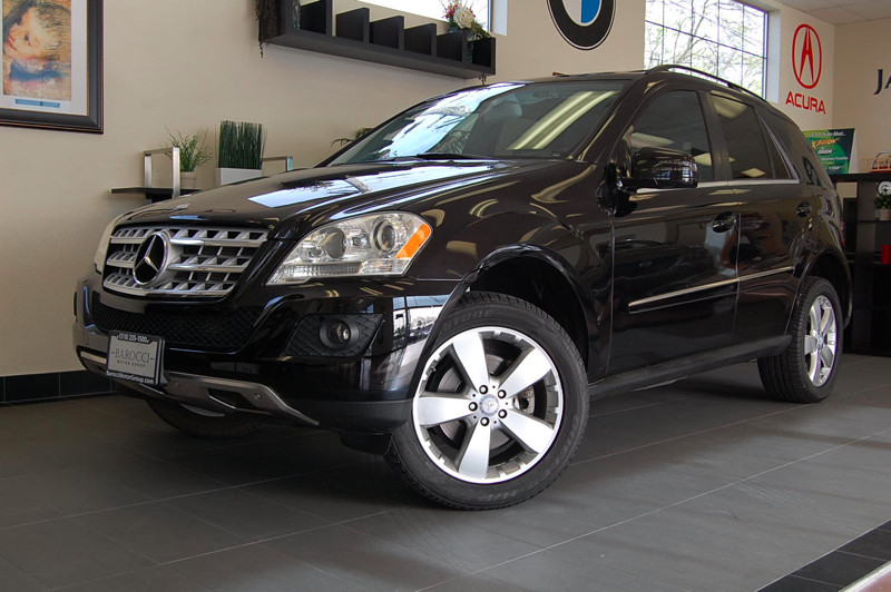 2011 MERCEDES M Class ML350 4D Utility Automatic Black Black This is a beautiful 1 owner ML with