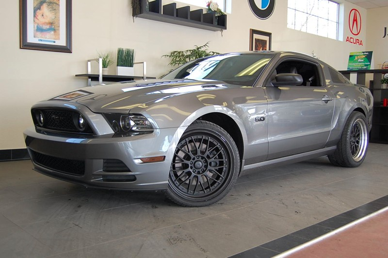 2013 Ford Mustang GT Coupe  6-Speed Manual Gray Charcoal This is a fantastic Coupe with a clean