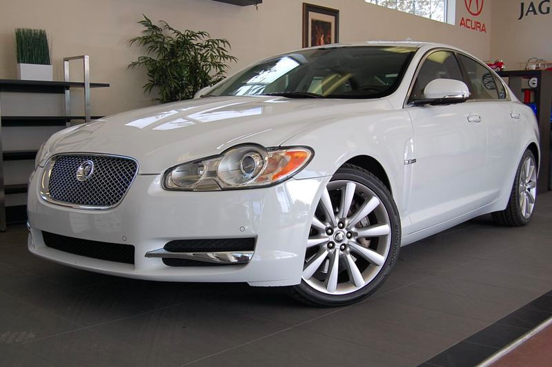 2011 Jaguar XF Sedan 4D Automatic 6-Spd wOverdrive White Tan This XF is a beautiful car inside