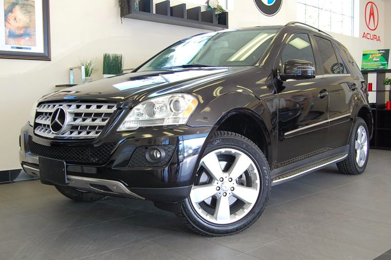 2011 MERCEDES M Class ML350 4D Utility Automatic Black Black This is a fabulous 1 Owner lease re