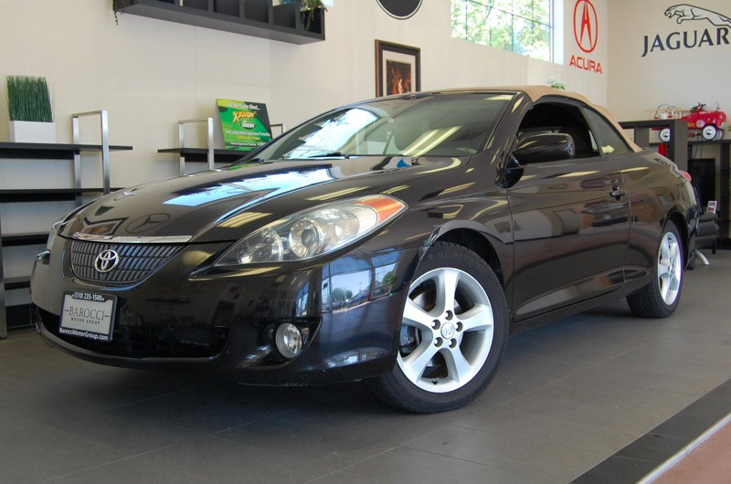 2004 Toyota Camry Solara SLE V6 2dr Convertible 5 Speed Auto Black Tan This is a nice Camry Sola