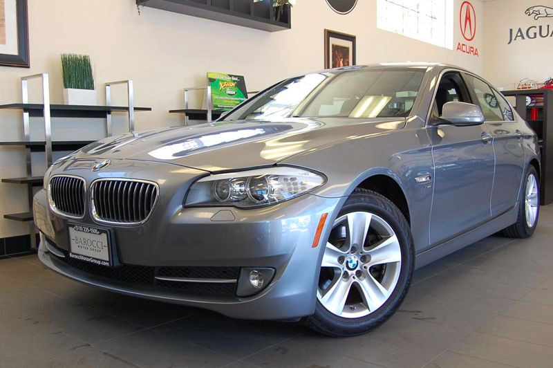 2012 BMW 5 Series 528i xDrive AWD Automatic Gray Black A very nice Sedan with Navigation Blueto