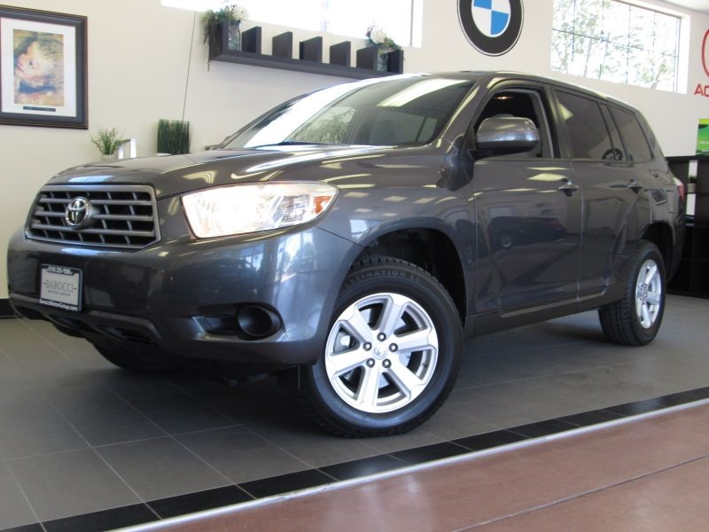 2010 Toyota Highlander 4D Utility Automatic Gray Gray This is a very functional SUV that gets go