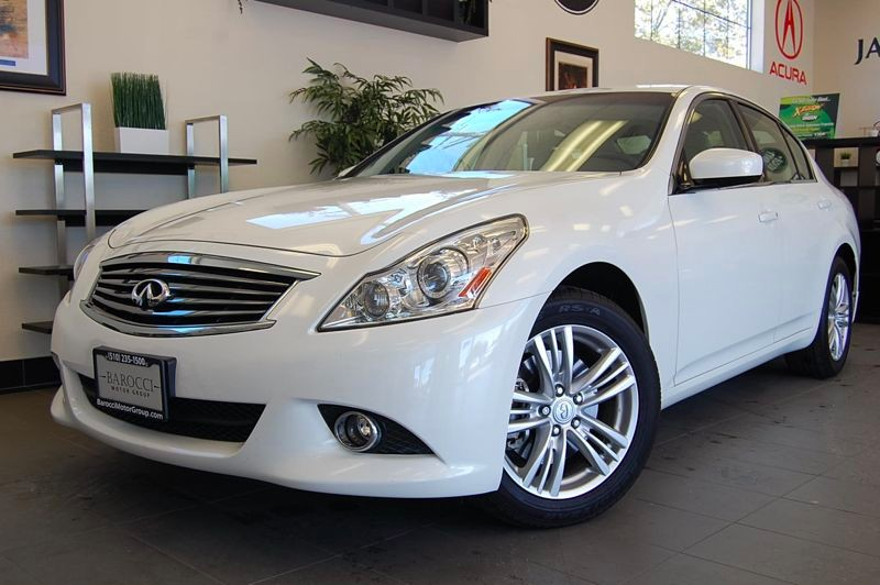 2012 Infiniti G37 X AWD  4dr Sedan 7 Speed Auto White Beige This beautiful One Owner all wheel d