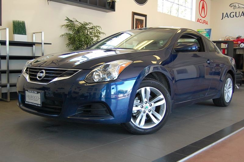 2012 Nissan Altima 25 S 2dr Coupe Automatic Blue Gray This is a very nice sedan with convenienc