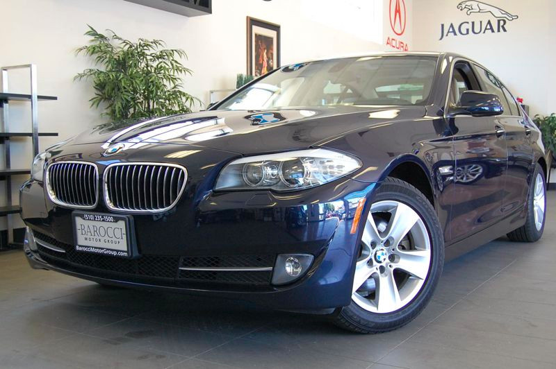 2012 BMW 5 Series 528i xDrive AWD  4dr Sedan Automatic Blue Brown Comes with a clean Carfax and