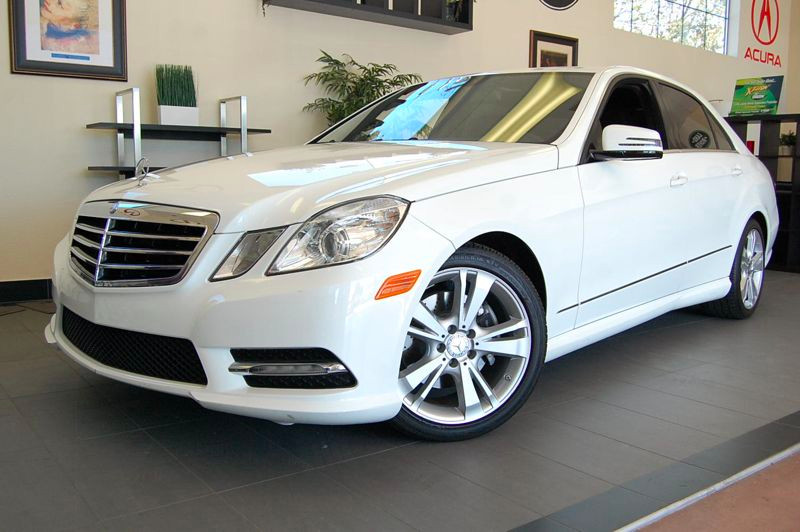 2013 MERCEDES E-Class E350 Sport 4dr Sedan 7 Speed Auto White Black Wonderful vehicle with Navig