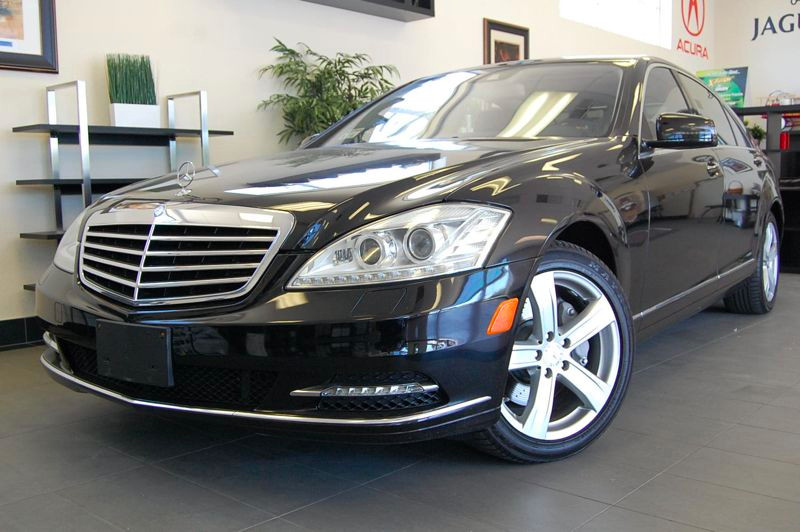 2011 MERCEDES S-Class S550 4dr Sedan 7 Speed Auto Black Black This one owner S Class has the Pre