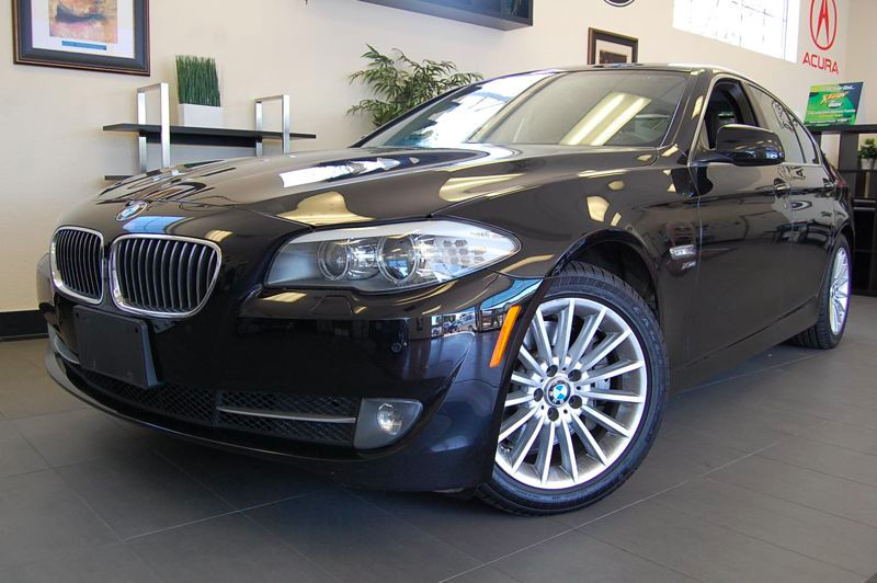 2011 BMW 5 Series 535i xDrive AWD  4dr Sedan 8-Speed Automatic Black Black This is a one owner v