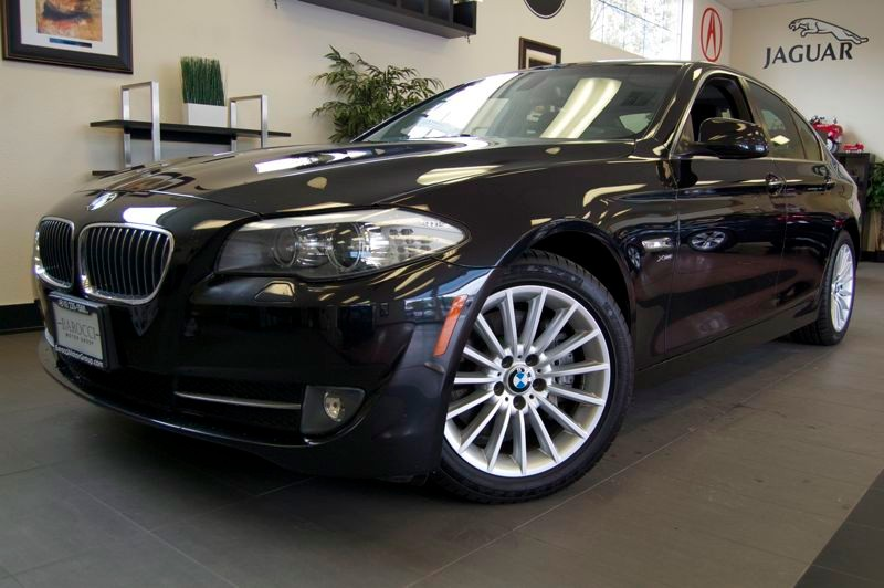 2011 BMW 5 Series 535i xDrive AWD  4dr Sedan 8-Speed Automatic Black Black Amazing shape with a