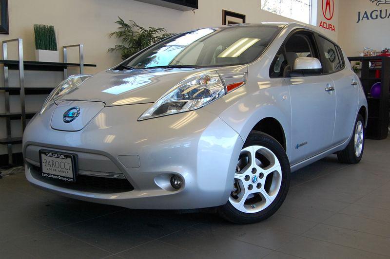 2011 Nissan LEAF SL 4dr Hatchback Automatic Silver Tan This is a fantastic leaf with Navigation
