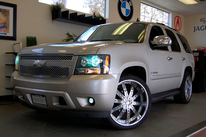 2008 Chevrolet Tahoe LS 2WD Automatic Champagne Charcoal Comes with a clean Carfax report and ha