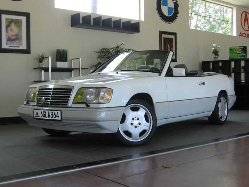 1995 MERCEDES E Class E320 2D Cabriolet Automatic White Black ABS Air Conditioning Alarm Allo